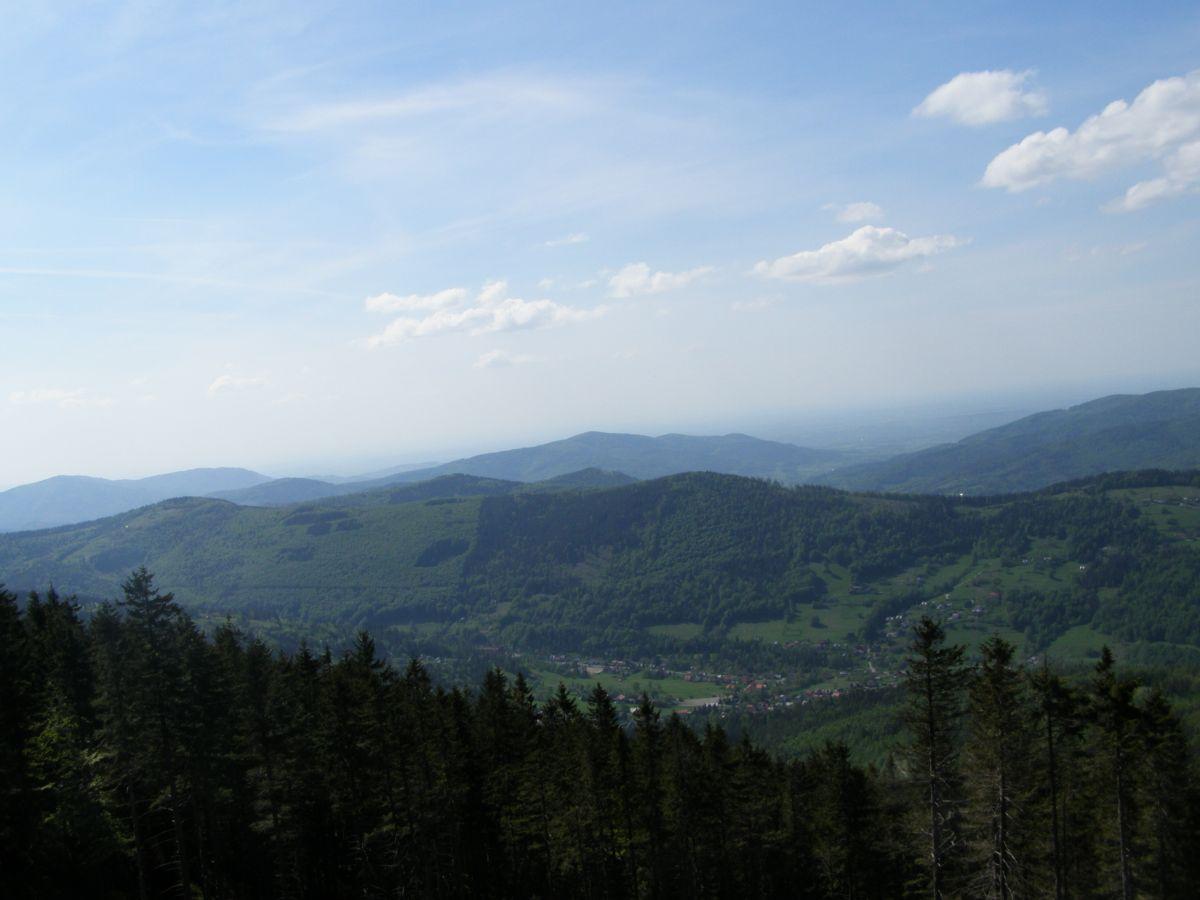 Widok z Góry Skrzyczne na Beskid Śląski